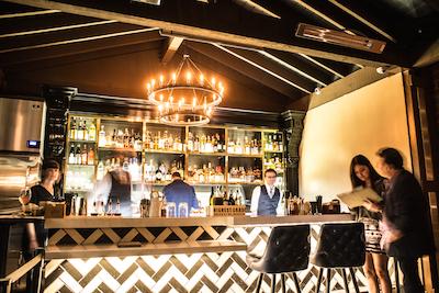 Magnolia House - Outdoor Bar